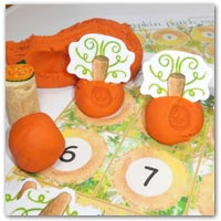 Pumpkin patch preschool playdough game