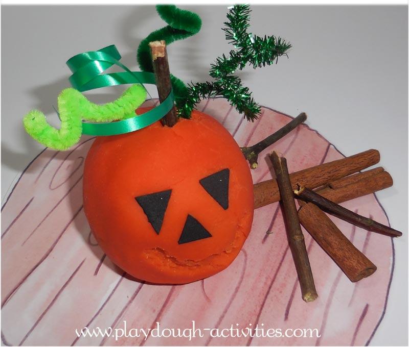 Pumpkin playdough model making - Halloween activity ideas