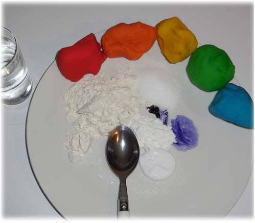 Handmade playdough recipe - UK cooked using cream of tartar